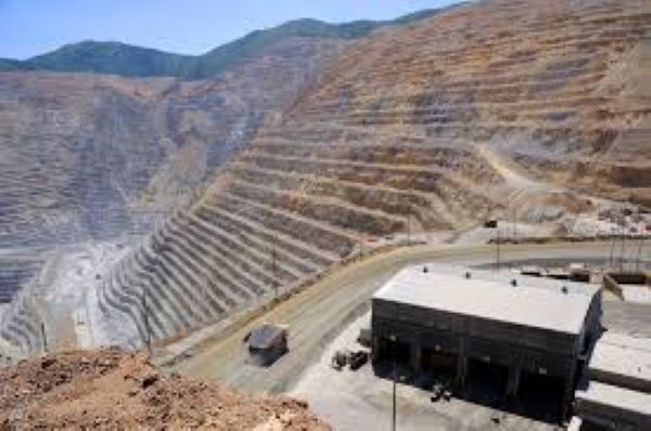 Zambian government disapproves Glencore' s plans to suspend operations