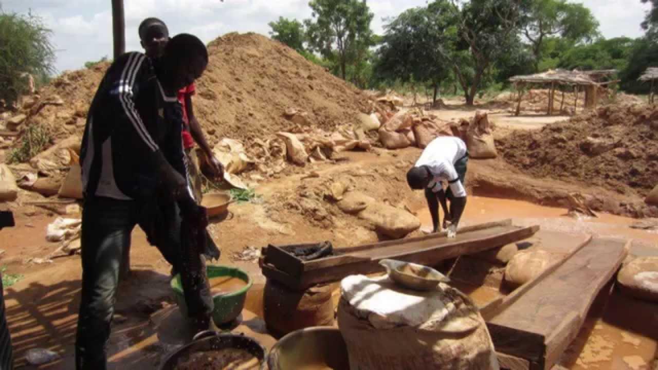 Nigeria passes legislation to make artisanal gold-mining legal