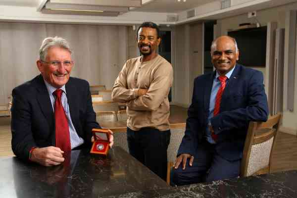 Southern African Institute of Mining and Metallurgy honours Dixon's 'unique contribution'