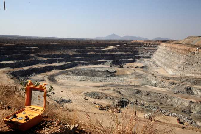 Mines push on as SA plays catch-up